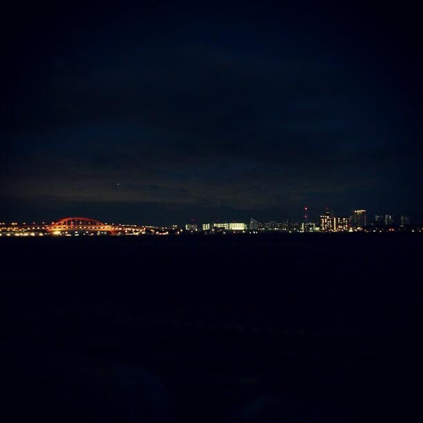 神戸港の夜