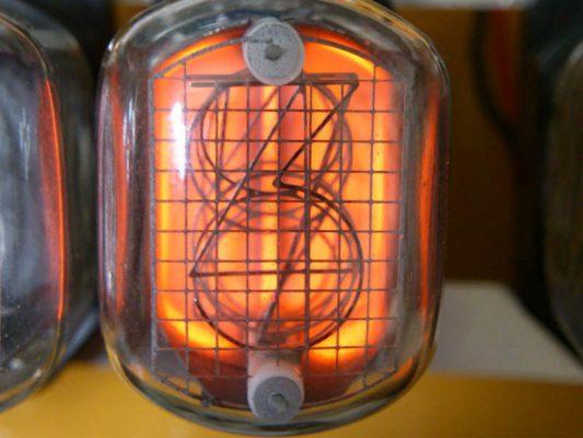 逆電圧をかけたニキシー管