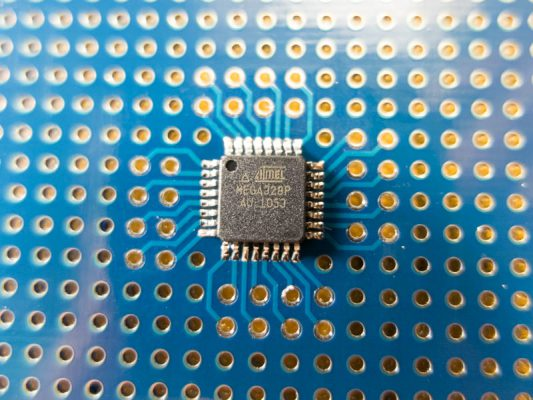 ATmega328P-AU実装